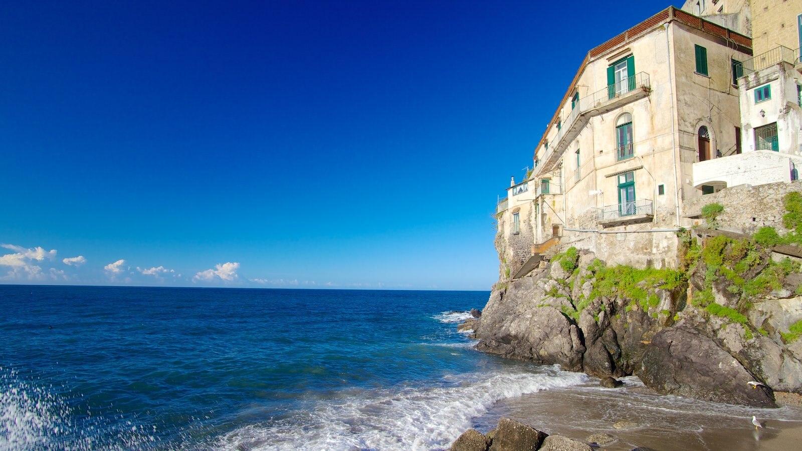 Minori featuring rugged coastline and a coastal town