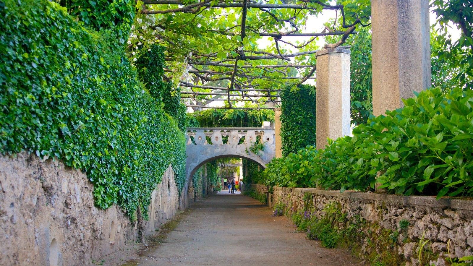 Costa de Amalfi que inclui um parque