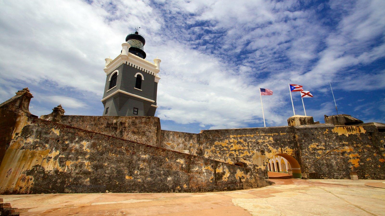 Castillo San Felipe del Morro que inclui elementos de patrimônio