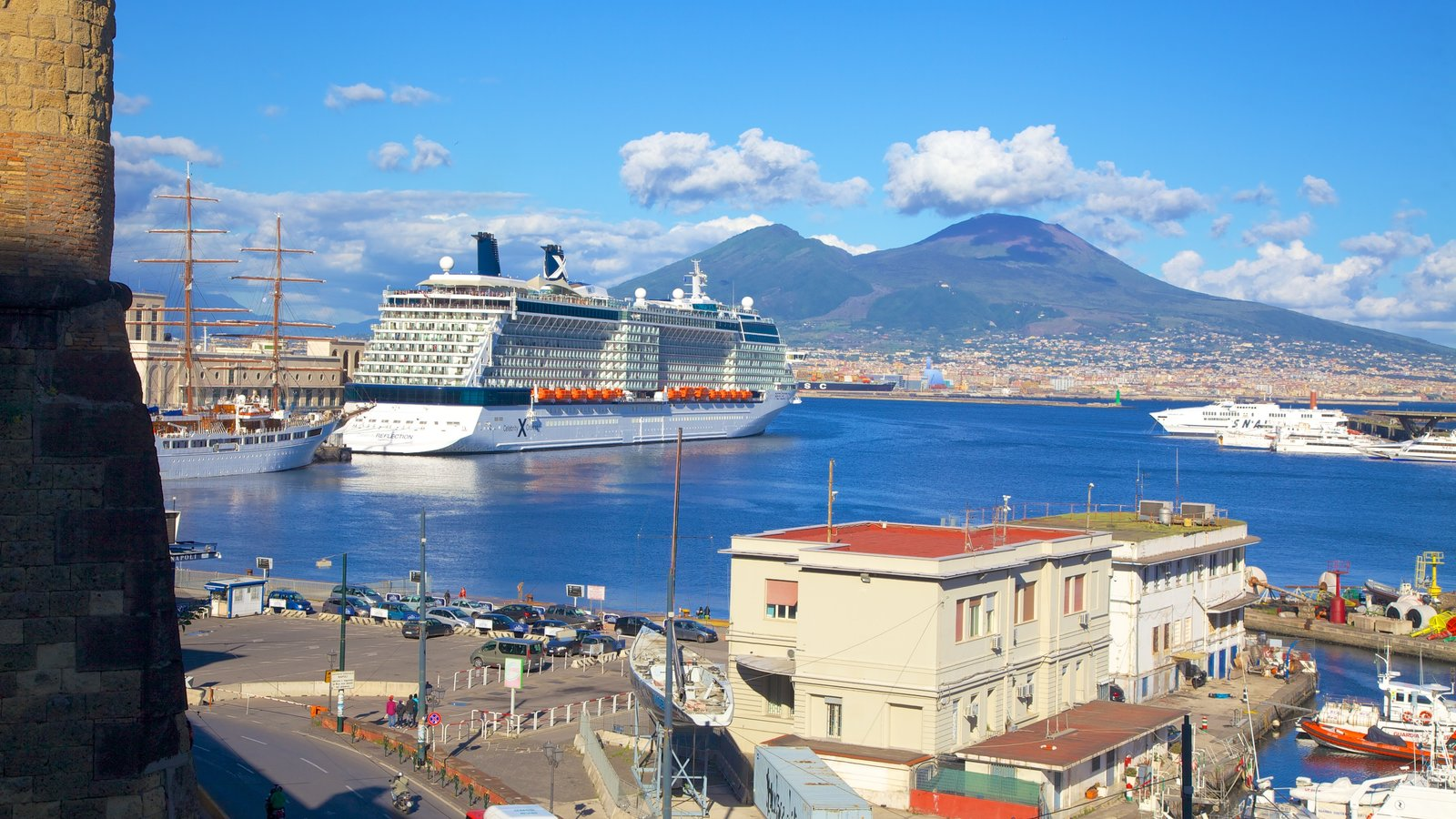 Mount Vesuvius - Pompei which includes a city, mountains and a marina
