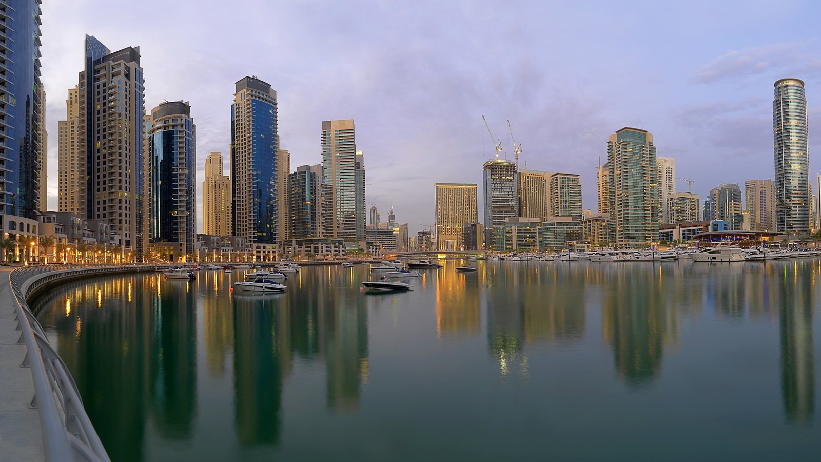 Dubai Marina showing cbd, skyline and boating
