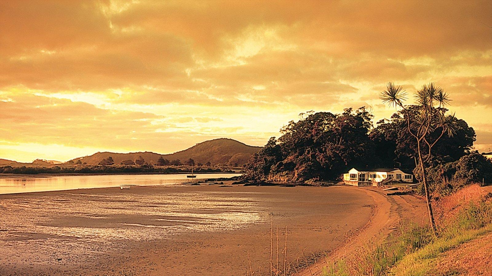Northland que incluye una playa, vistas de paisajes y una puesta de sol