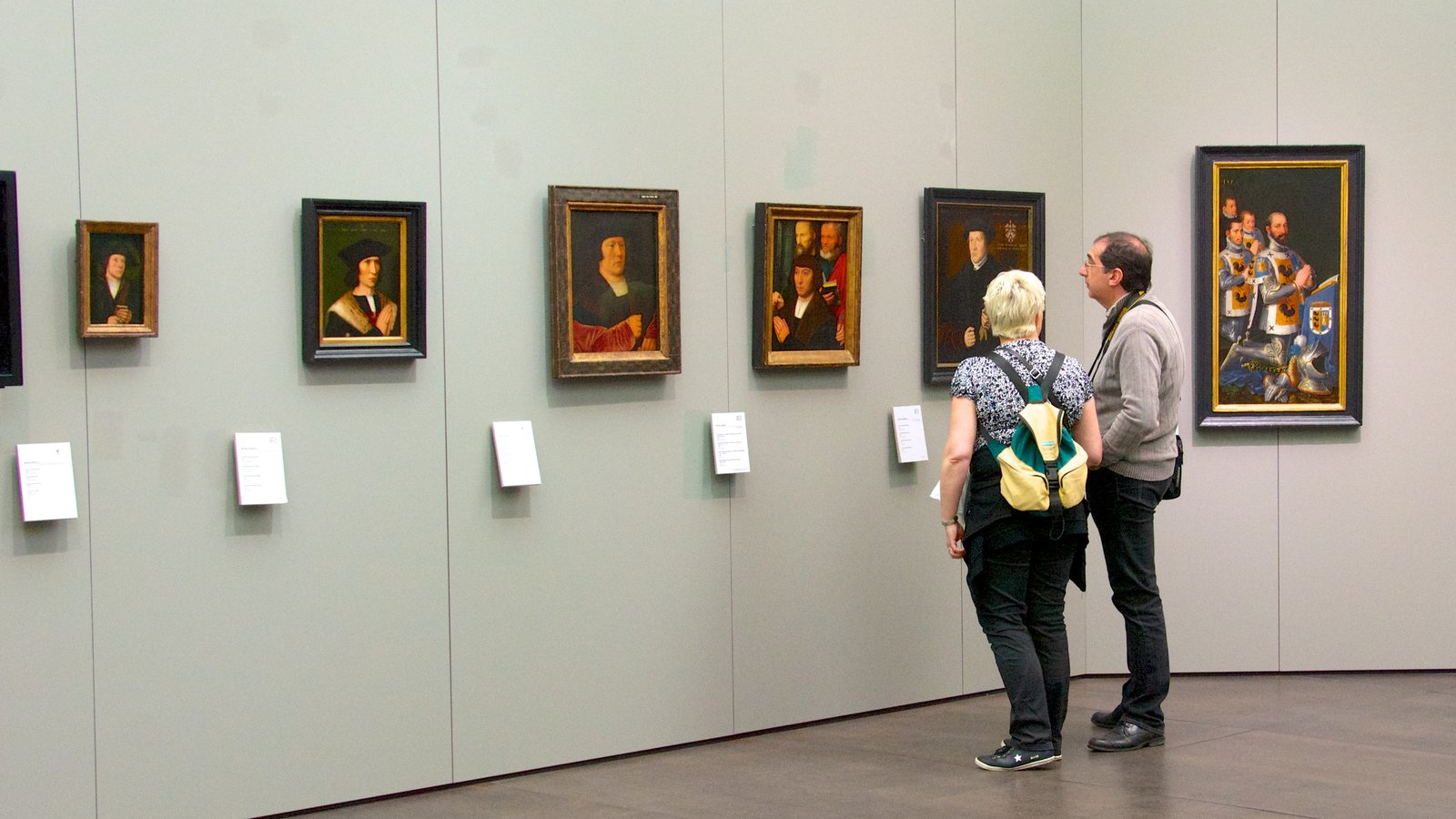 Groeningemuseum showing interior views and art as well as a couple