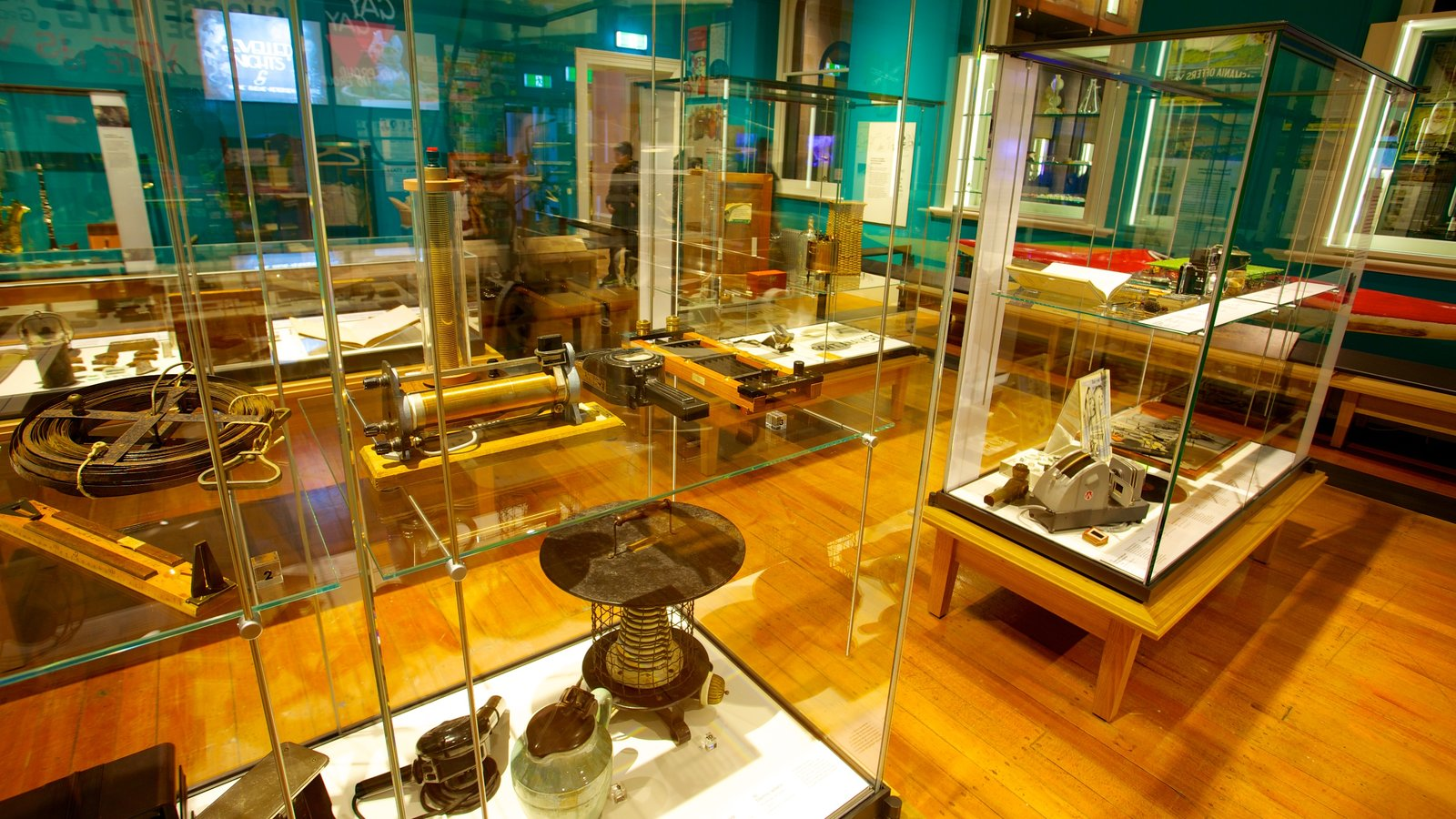 Tasmanian Museum and Art Gallery showing interior views