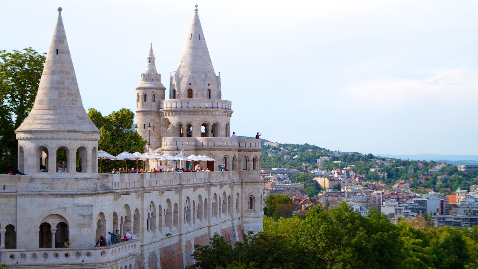 Budapeste que inclui um pequeno castelo ou palácio