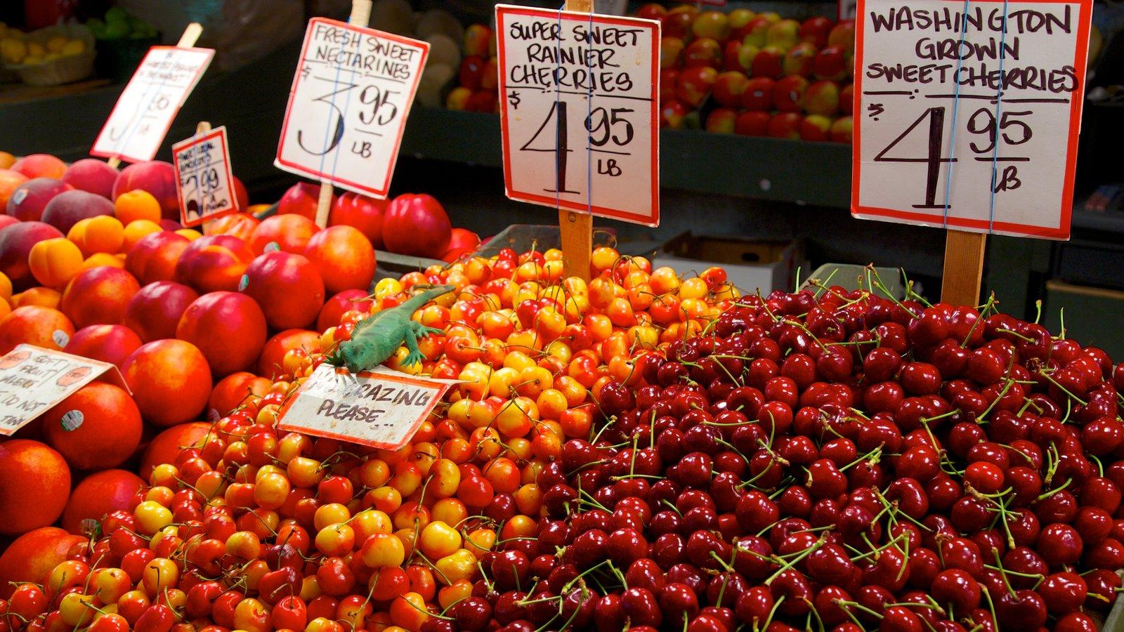 Pike Place Market mostrando vistas interiores, comida y mercados