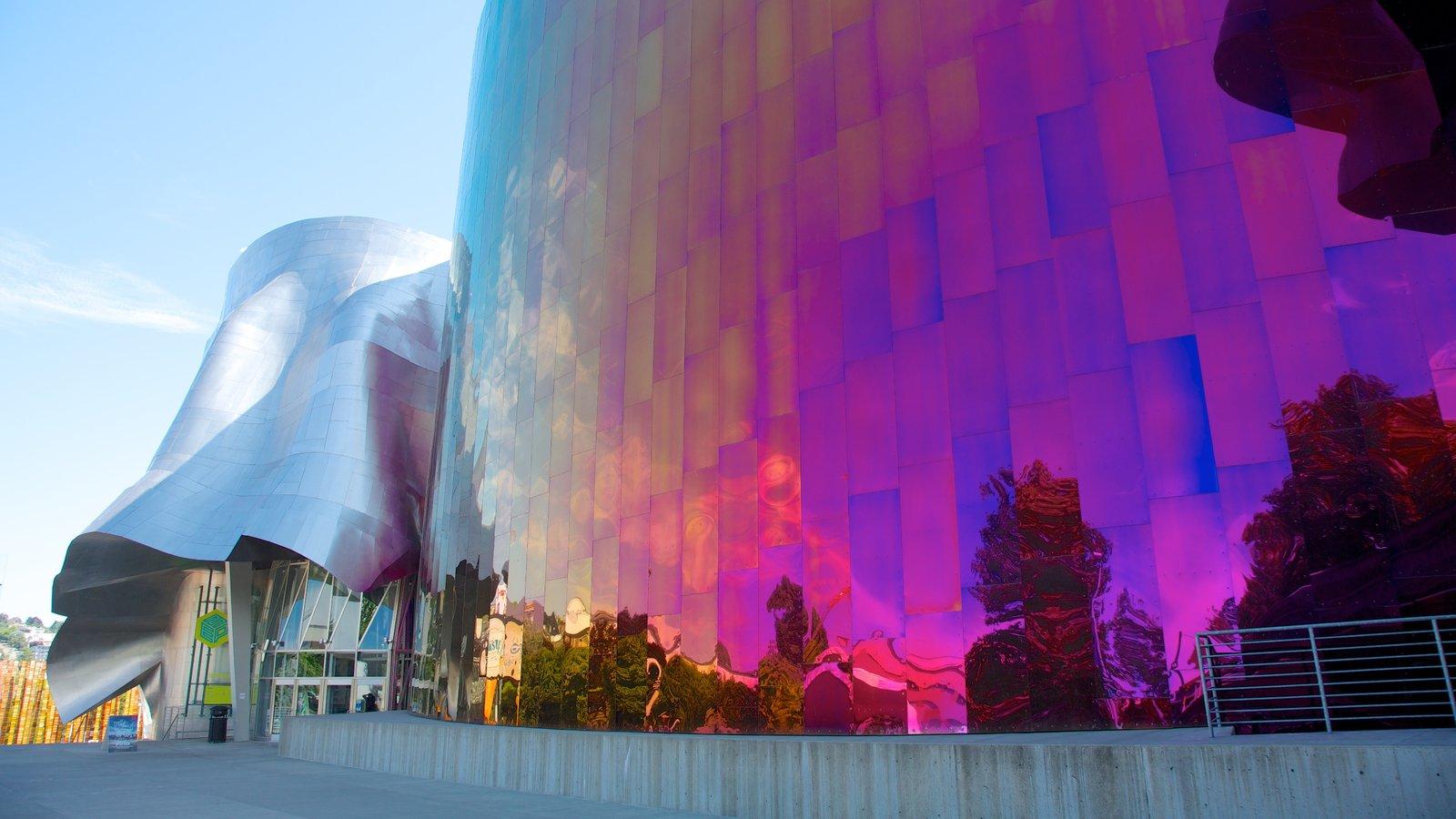 Seattle Center mostrando arquitetura moderna e uma cidade