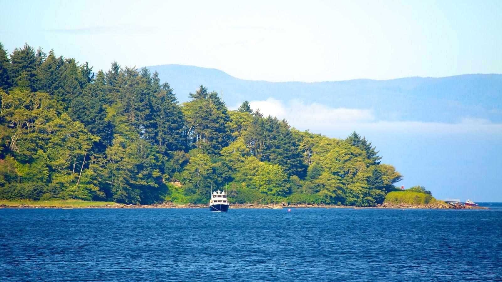 Neah Bay caracterizando um lago ou charco, paisagem e canoagem