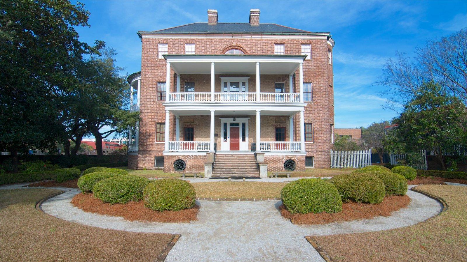 Joseph Manigault House caracterizando elementos de patrimônio e uma casa