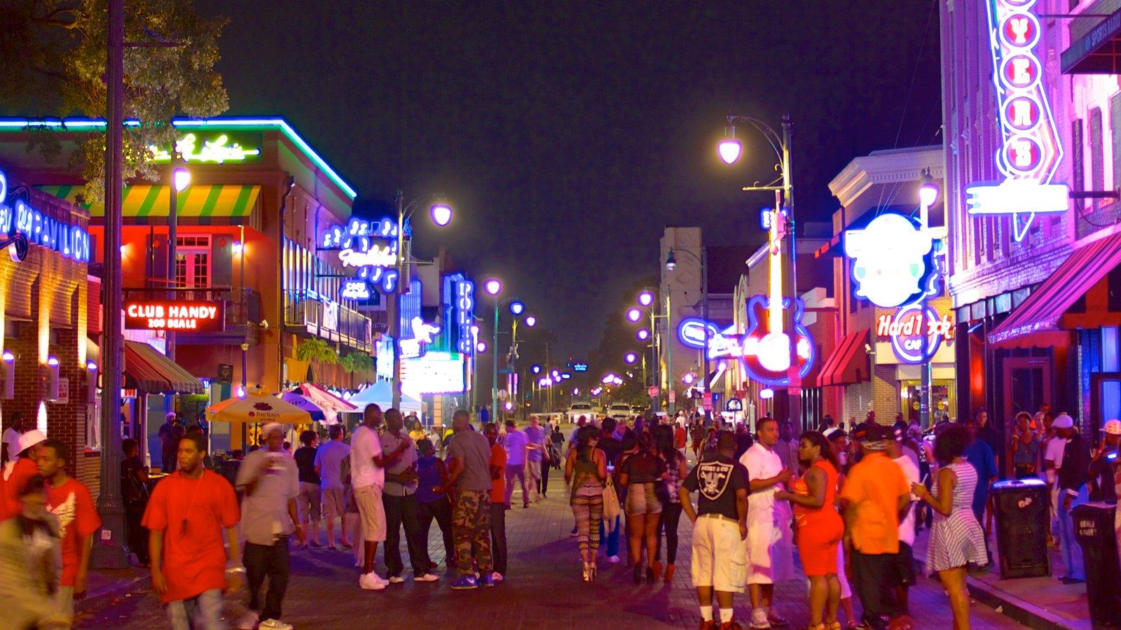 Beale Street que incluye escenas urbanas, escenas nocturnas y una ciudad