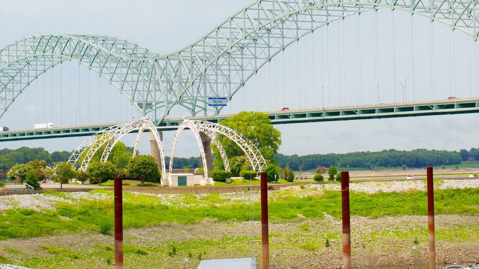 Memphis que inclui arquitetura moderna e uma ponte