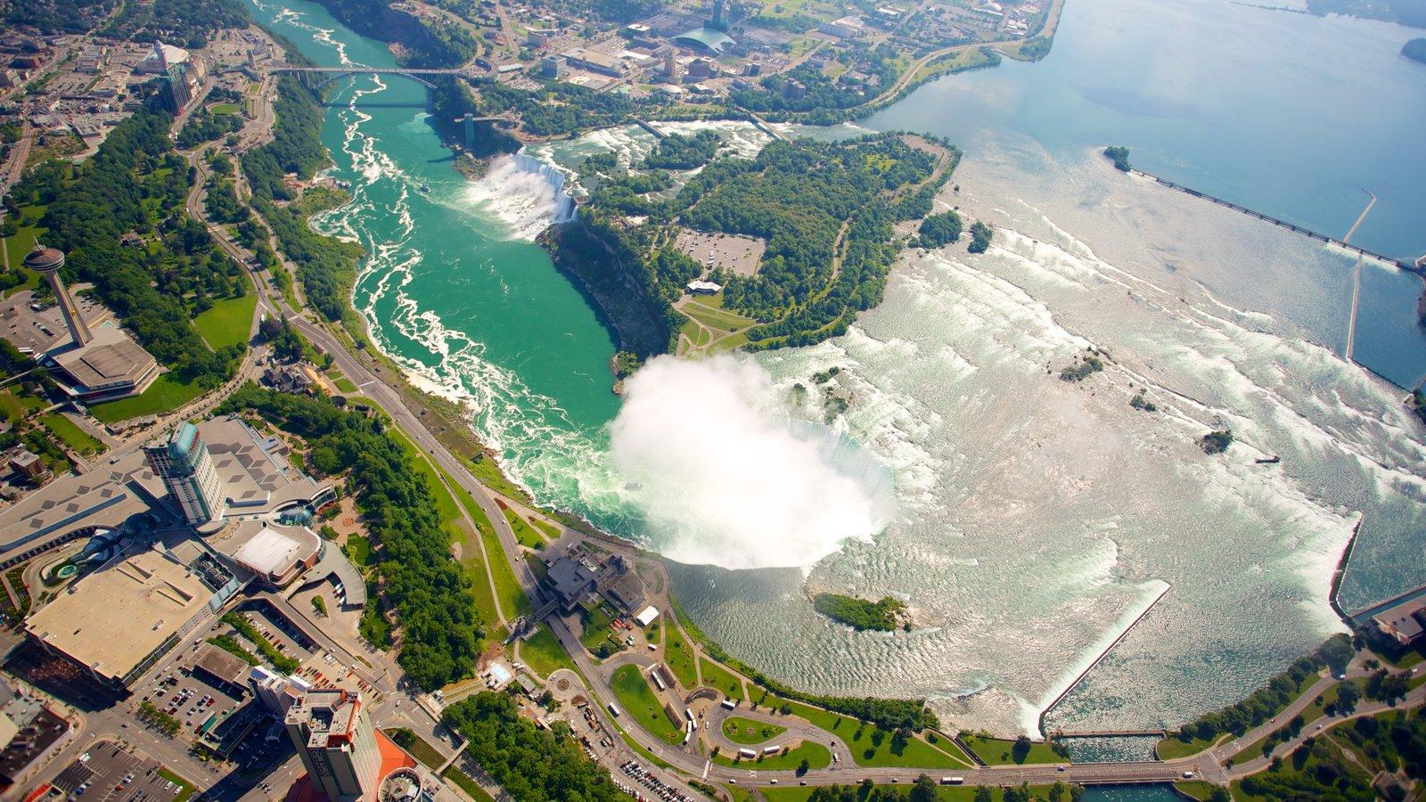 Niagara Falls mostrando um rio ou córrego e uma cascata