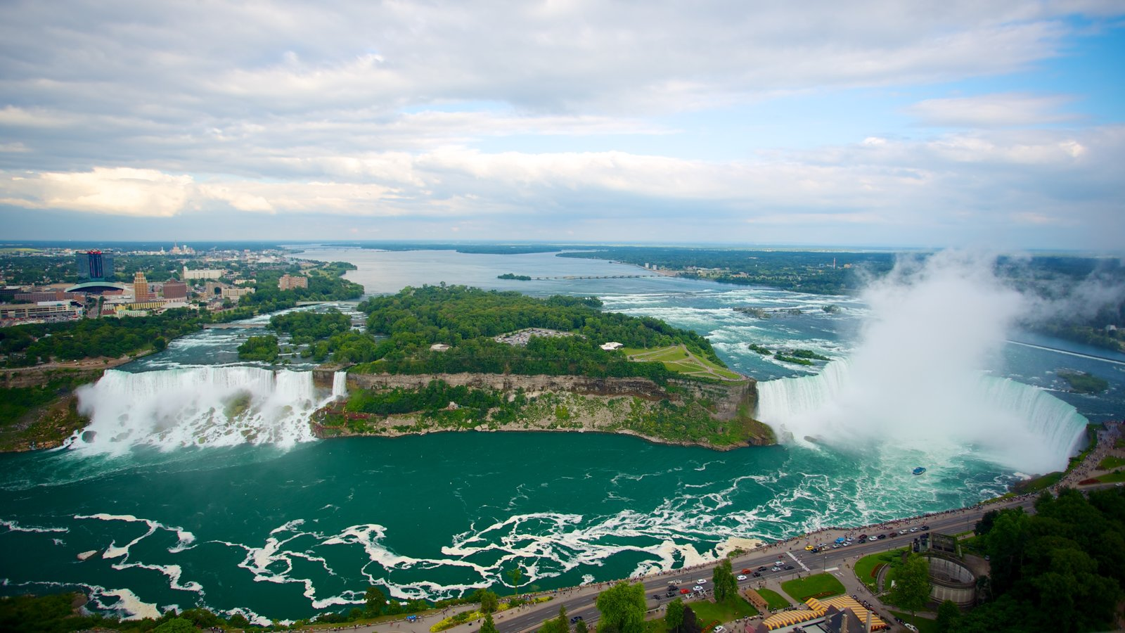 Niagara Falls caracterizando uma cachoeira e um rio ou córrego
