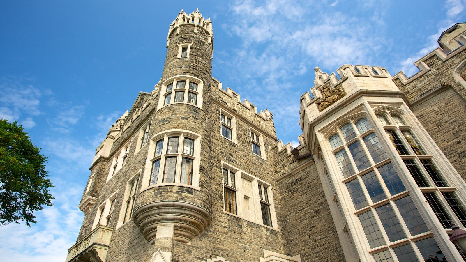 Casa Loma featuring a castle, heritage architecture and heritage elements