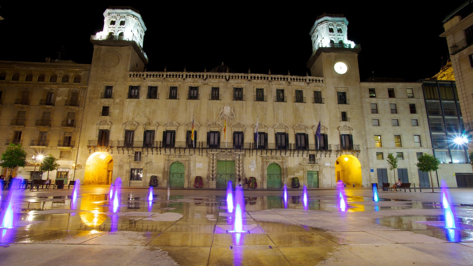 Gardens & Parks Pictures: View Images of Alicante Town Hall