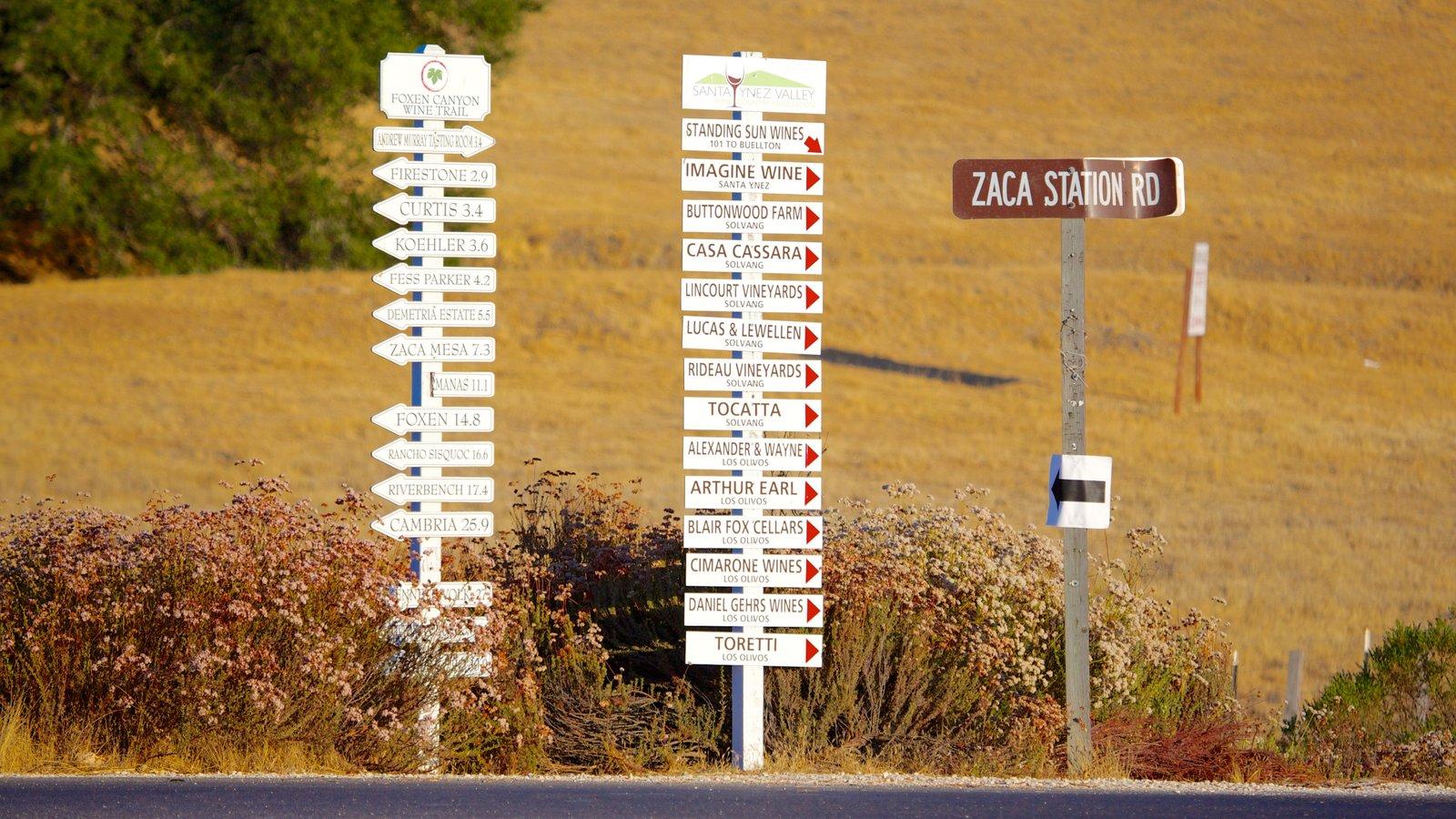 Santa Barbara mostrando cenas de rua, sinalização e cenas tranquilas