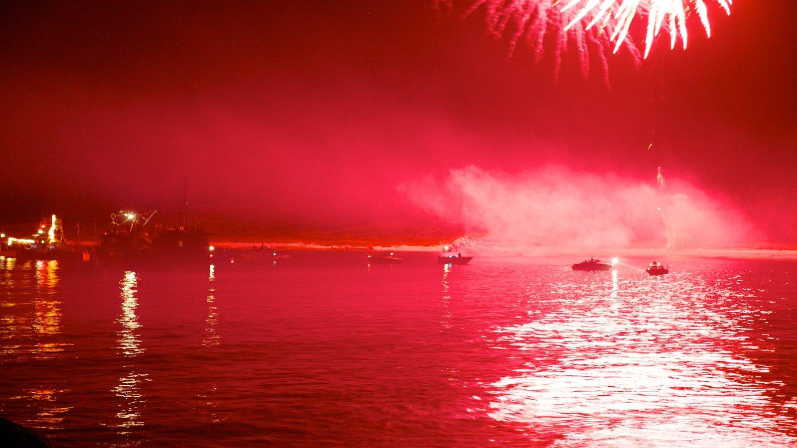 Halifax mostrando escenas nocturnas, un festival y vistas generales de la costa