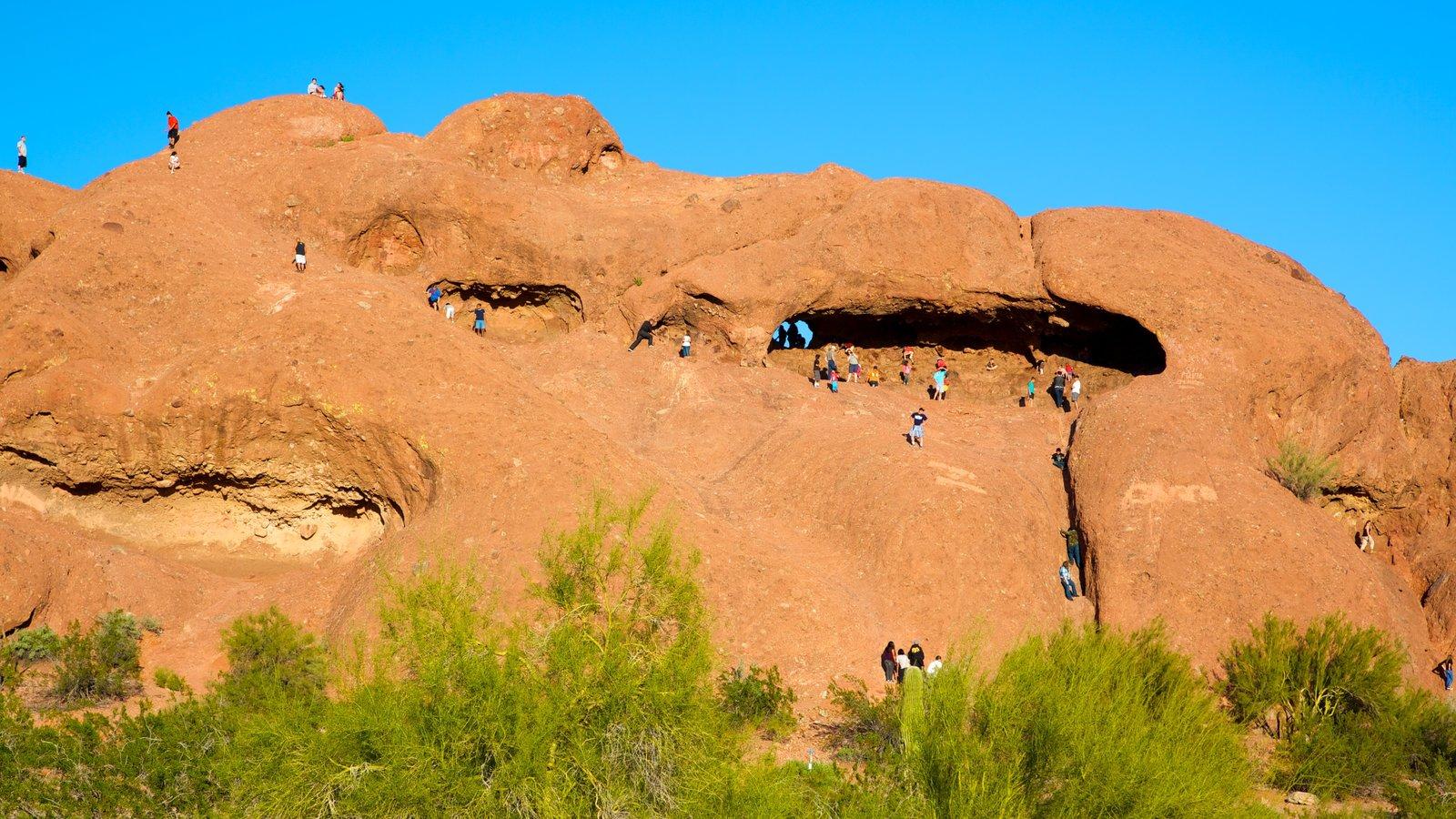 Hole in the Rock caracterizando montanhas e escalada