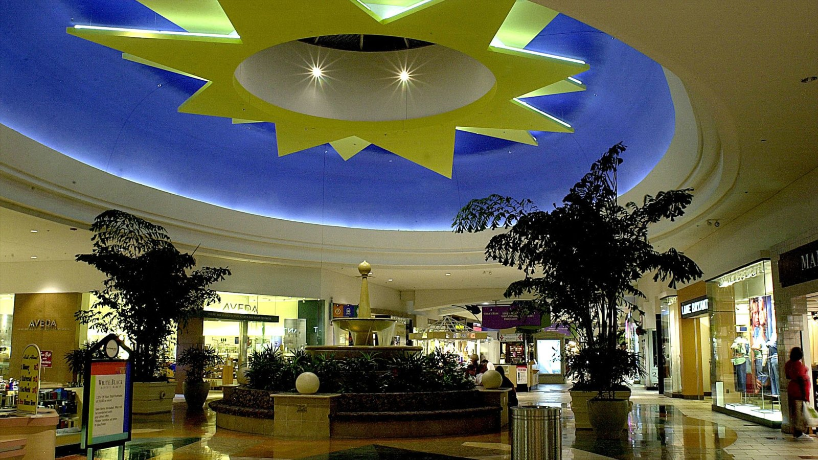 Florida Mall showing shopping and interior views