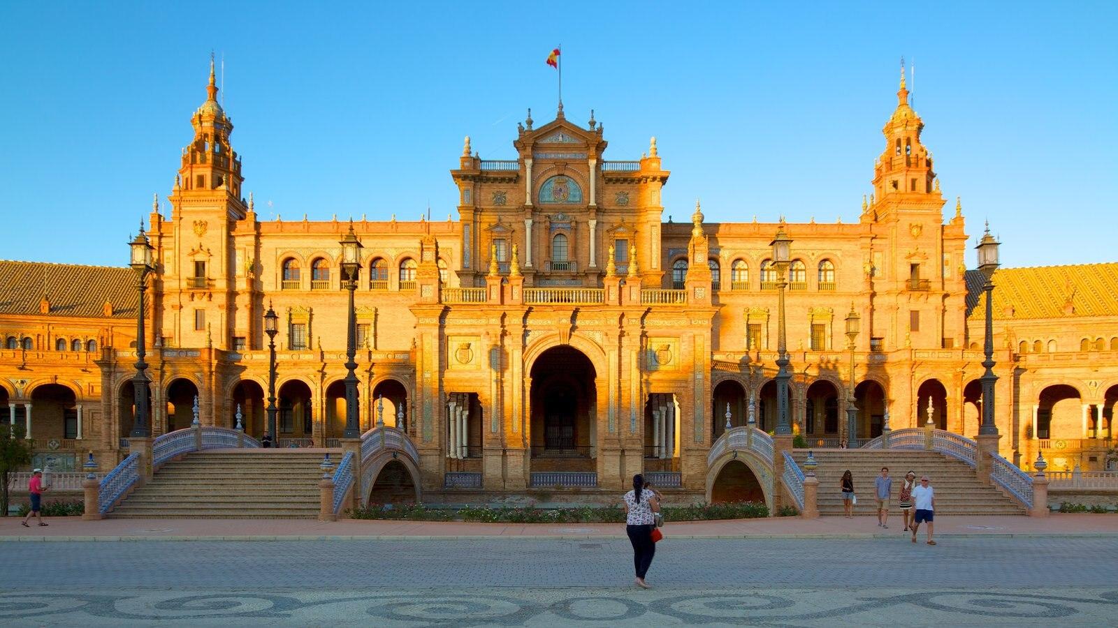 Plaza de España caracterizando um pequeno castelo ou palácio, arquitetura de patrimônio e uma praça ou plaza