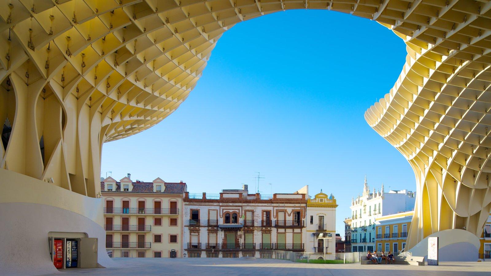 Metropol Parasol mostrando arquitectura moderna, una ciudad y un parque o plaza