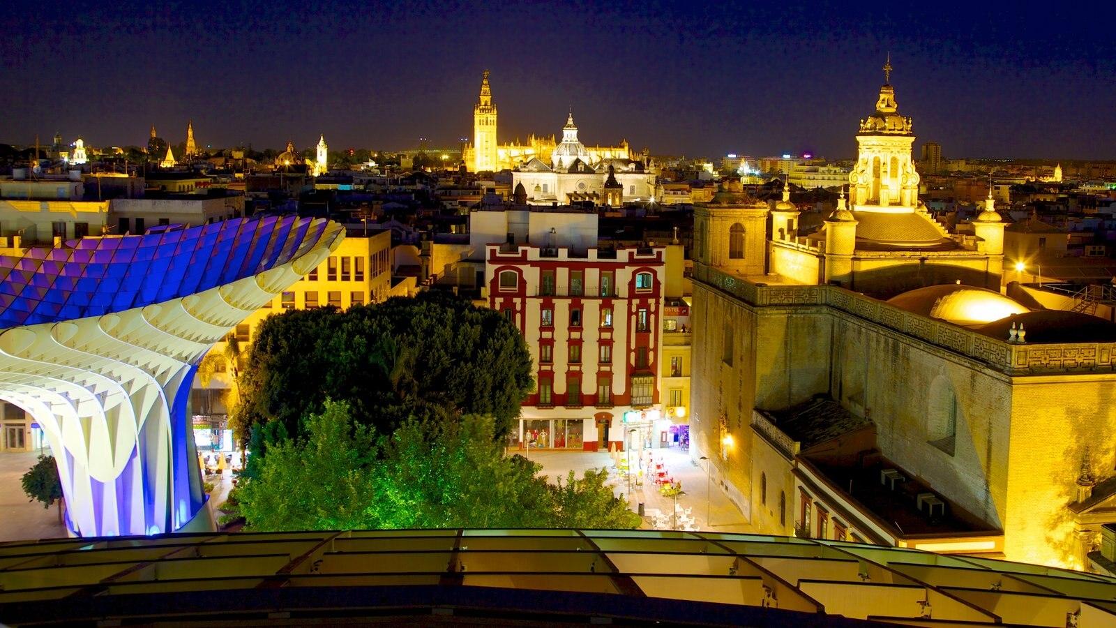 Metropol Parasol ofreciendo arquitectura moderna, escenas nocturnas y horizonte