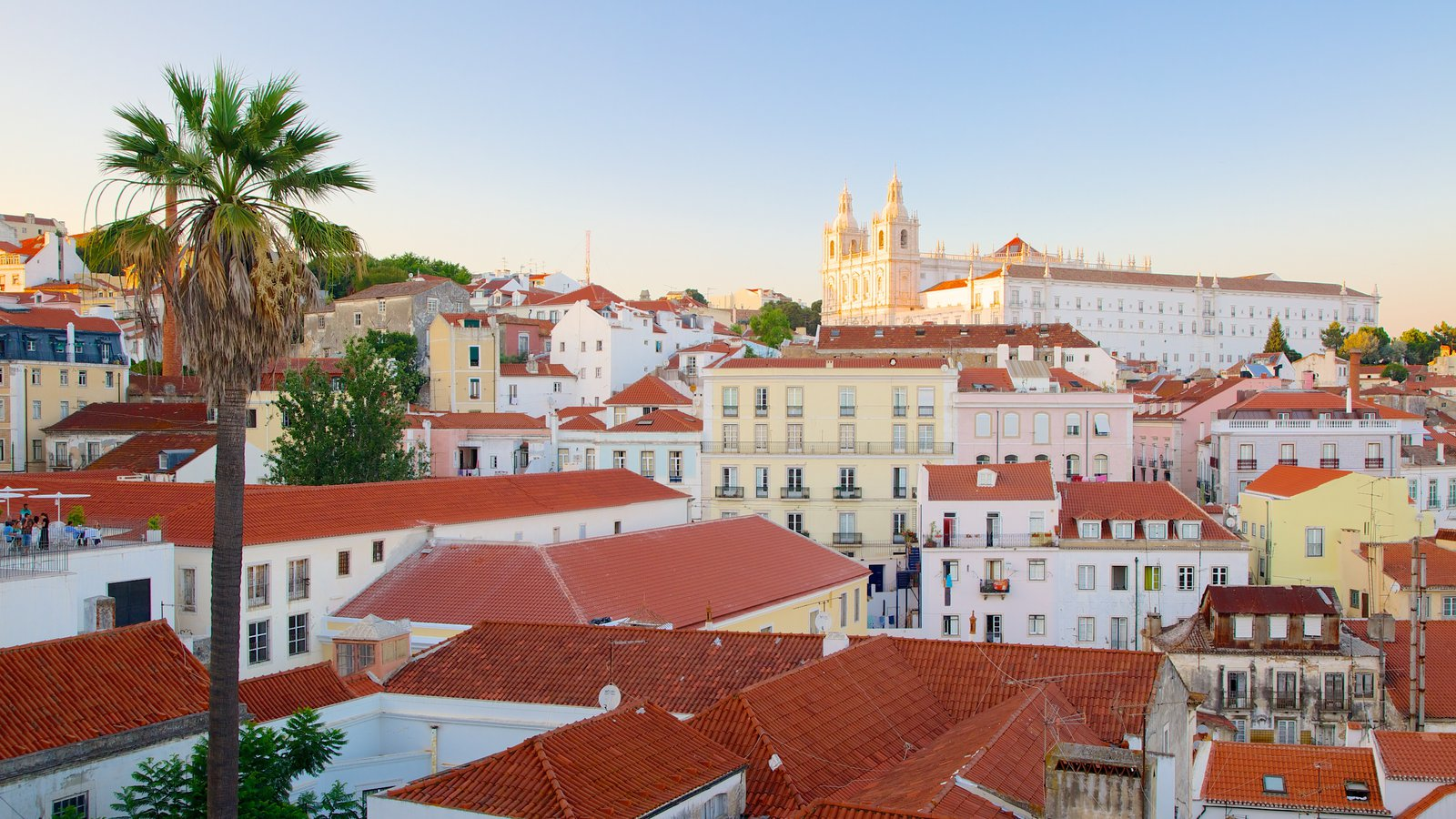 Alfama showing a city and heritage architecture