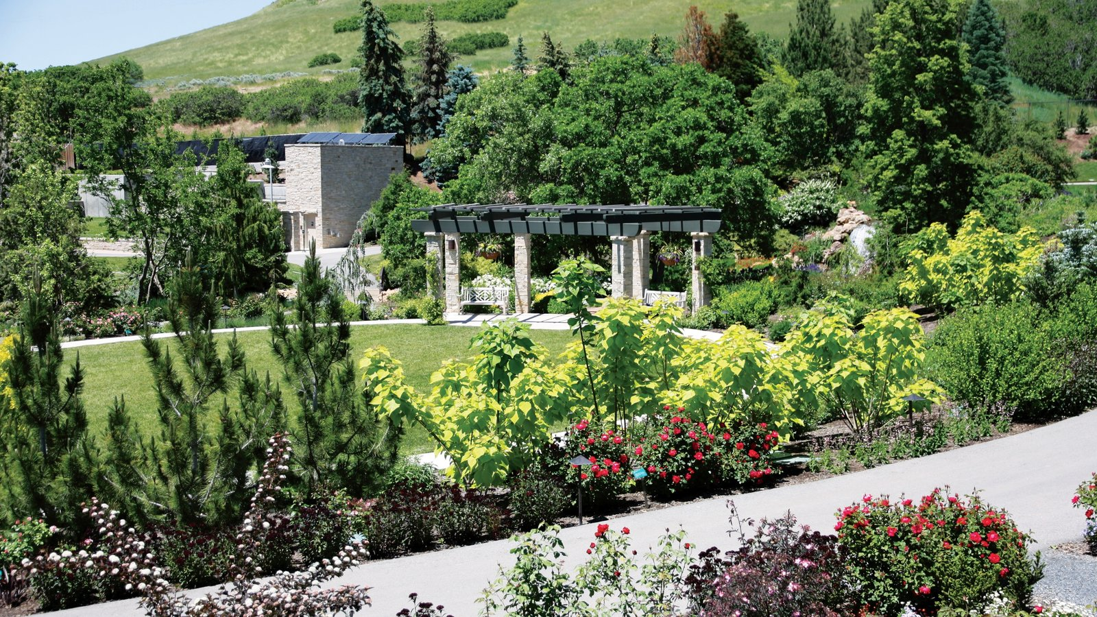 Red Butte Garden and Arboreteum showing a garden
