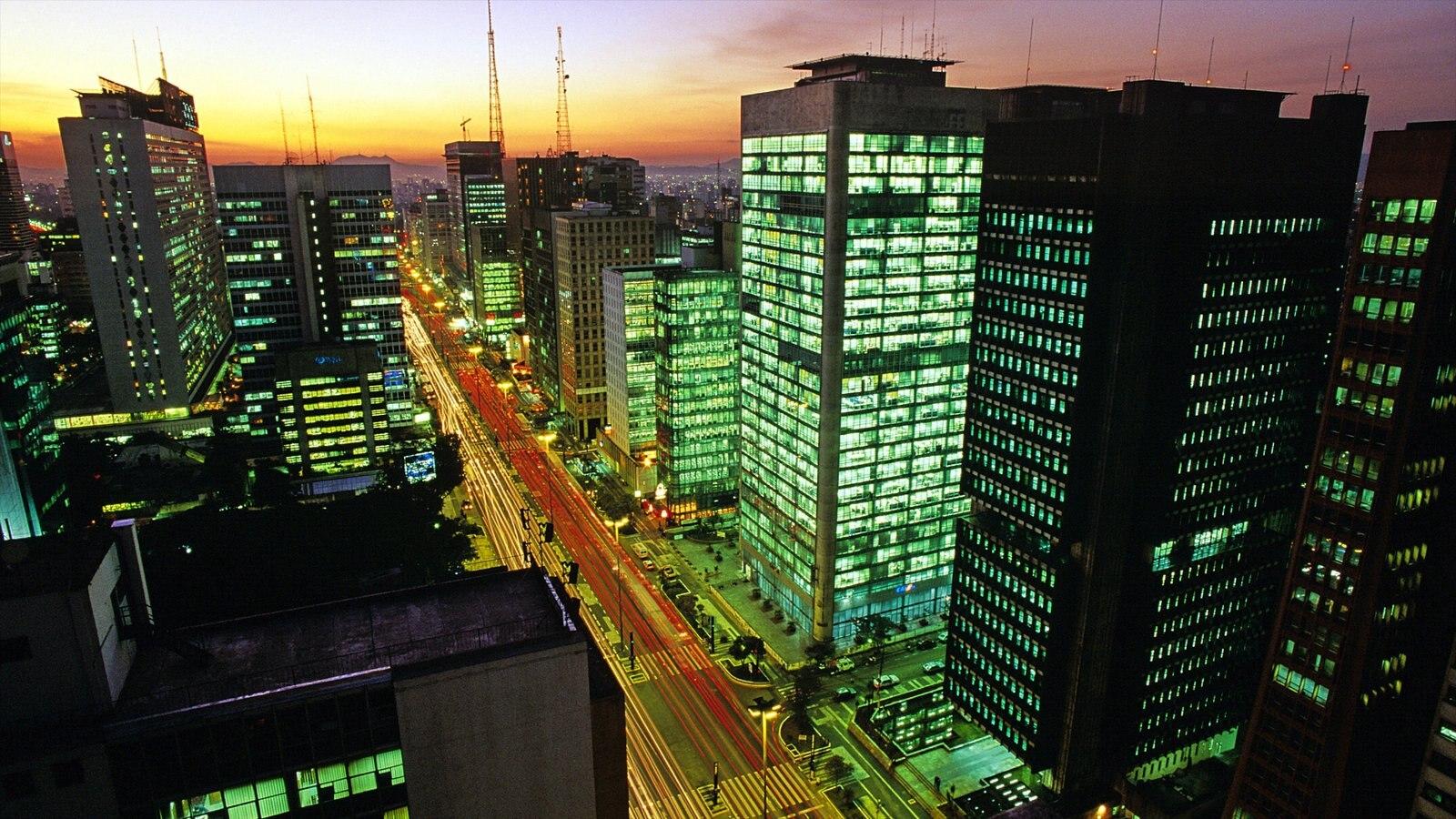 São Paulo mostrando cbd, uma cidade e um arranha-céu