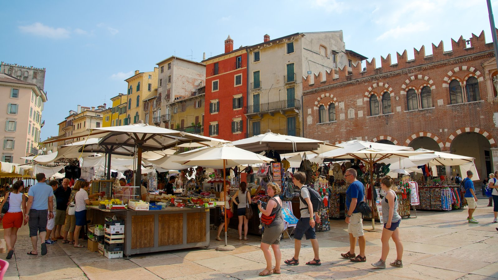 Piazza delle Erbe featuring a city, cafe lifestyle and outdoor eating