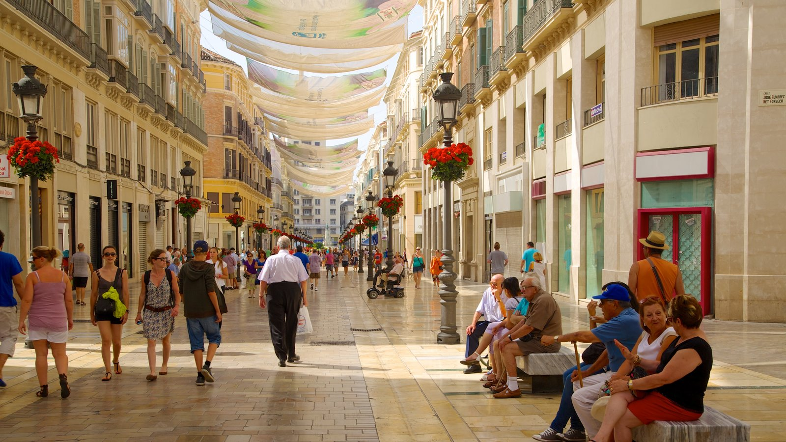 Malaga Historic Centre showing heritage architecture, a city and street scenes