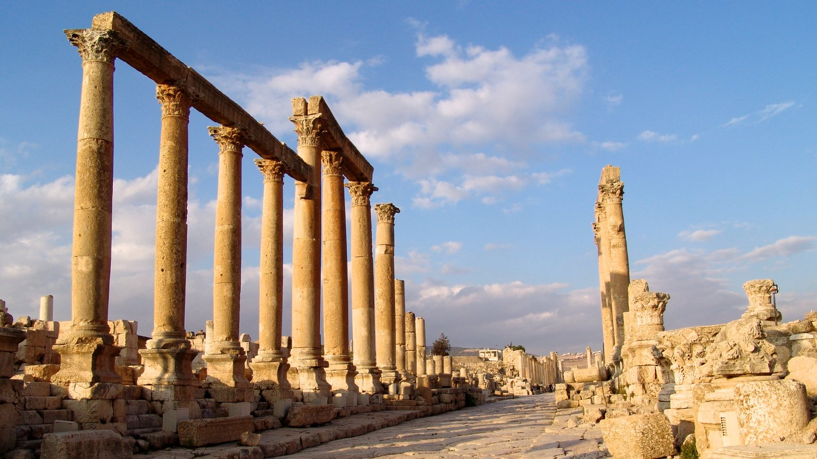 Jerash featuring heritage elements, heritage architecture and building ruins