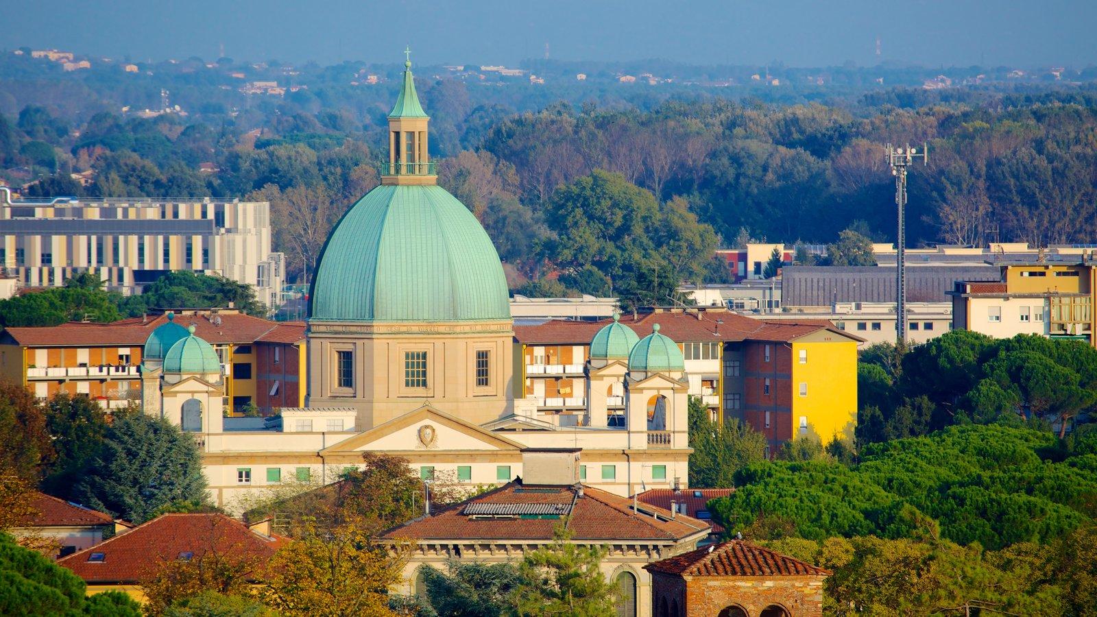 Torre Guinigi mostrando arquitetura de patrimônio e uma igreja ou catedral