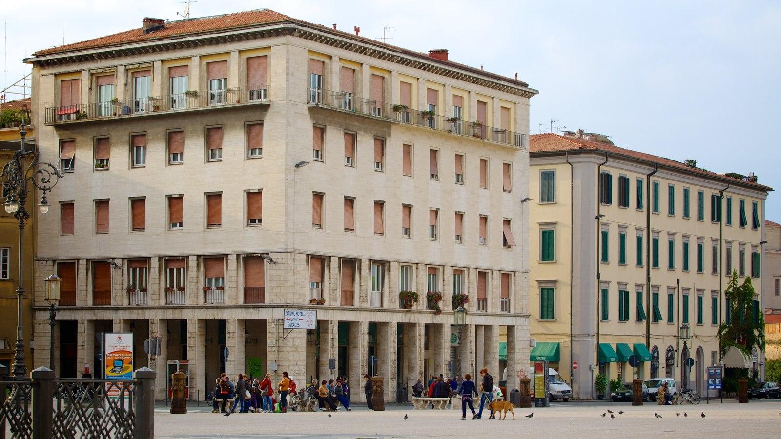 Piazza della Repubblica featuring a square or plaza and a city