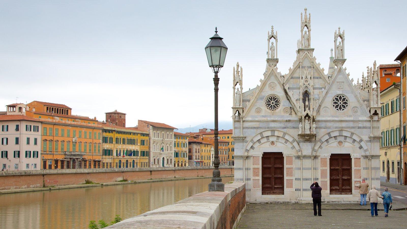 Santa Maria della Spina showing heritage architecture, a river or creek and a city