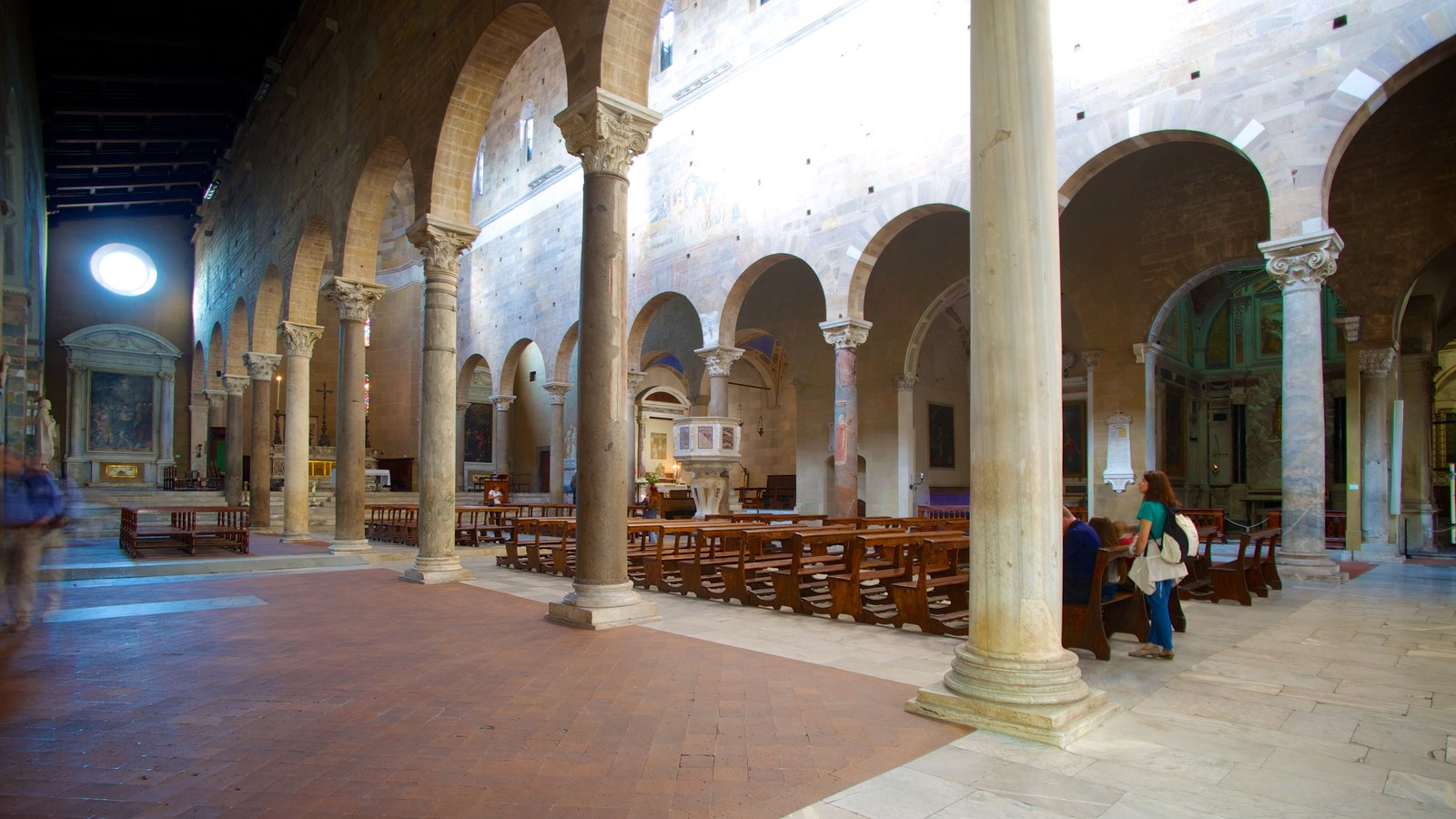 Basilica di San Frediano which includes heritage architecture, a church or cathedral and interior views