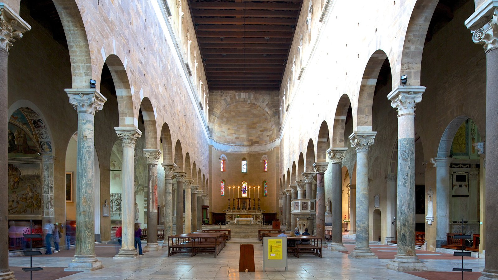 Basilica di San Frediano featuring interior views, religious aspects and heritage architecture