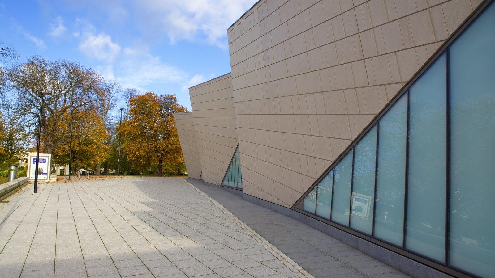 Museo SeaCity que incluye arquitectura moderna