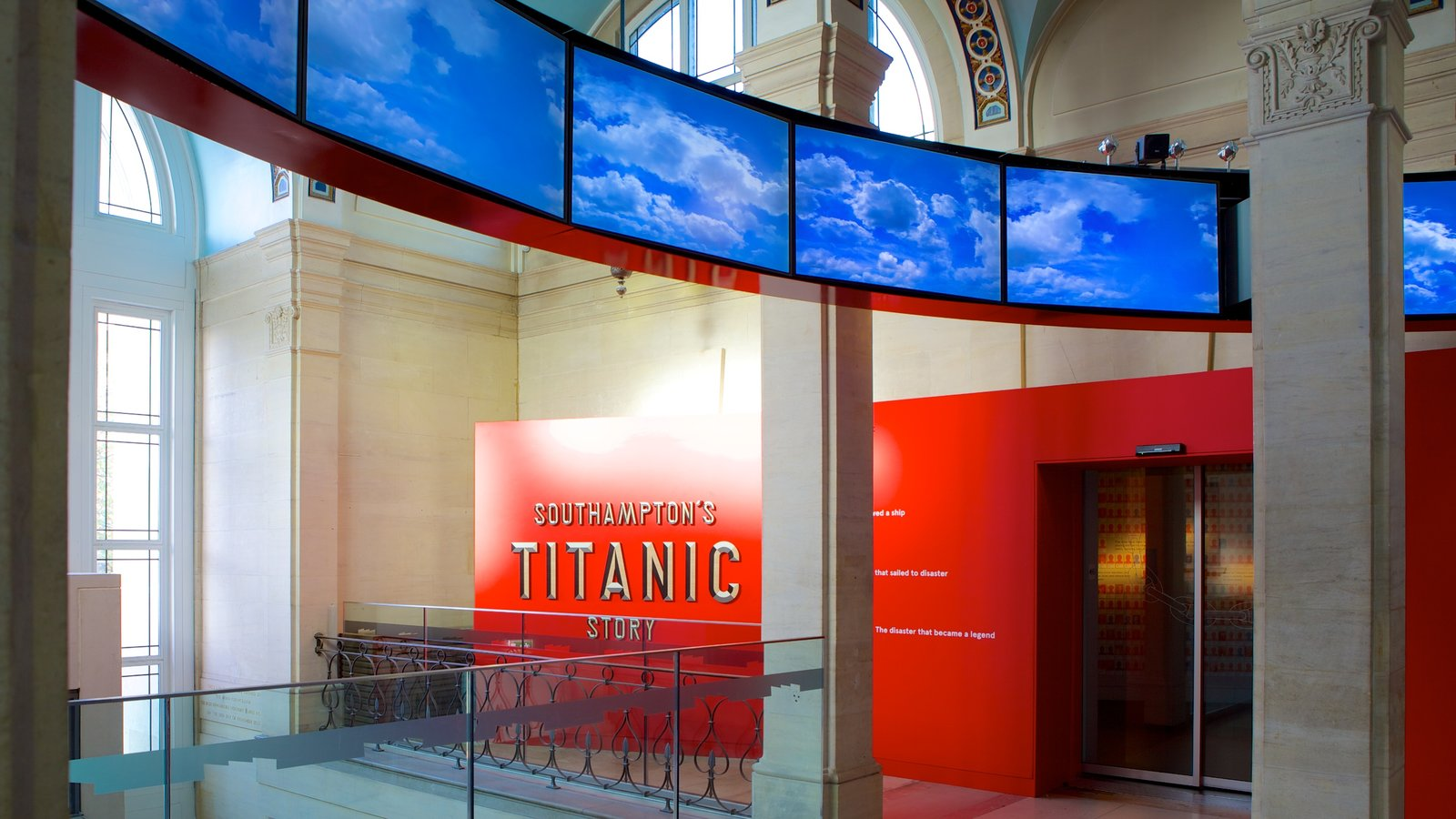 Museo SeaCity mostrando vistas interiores y señalización