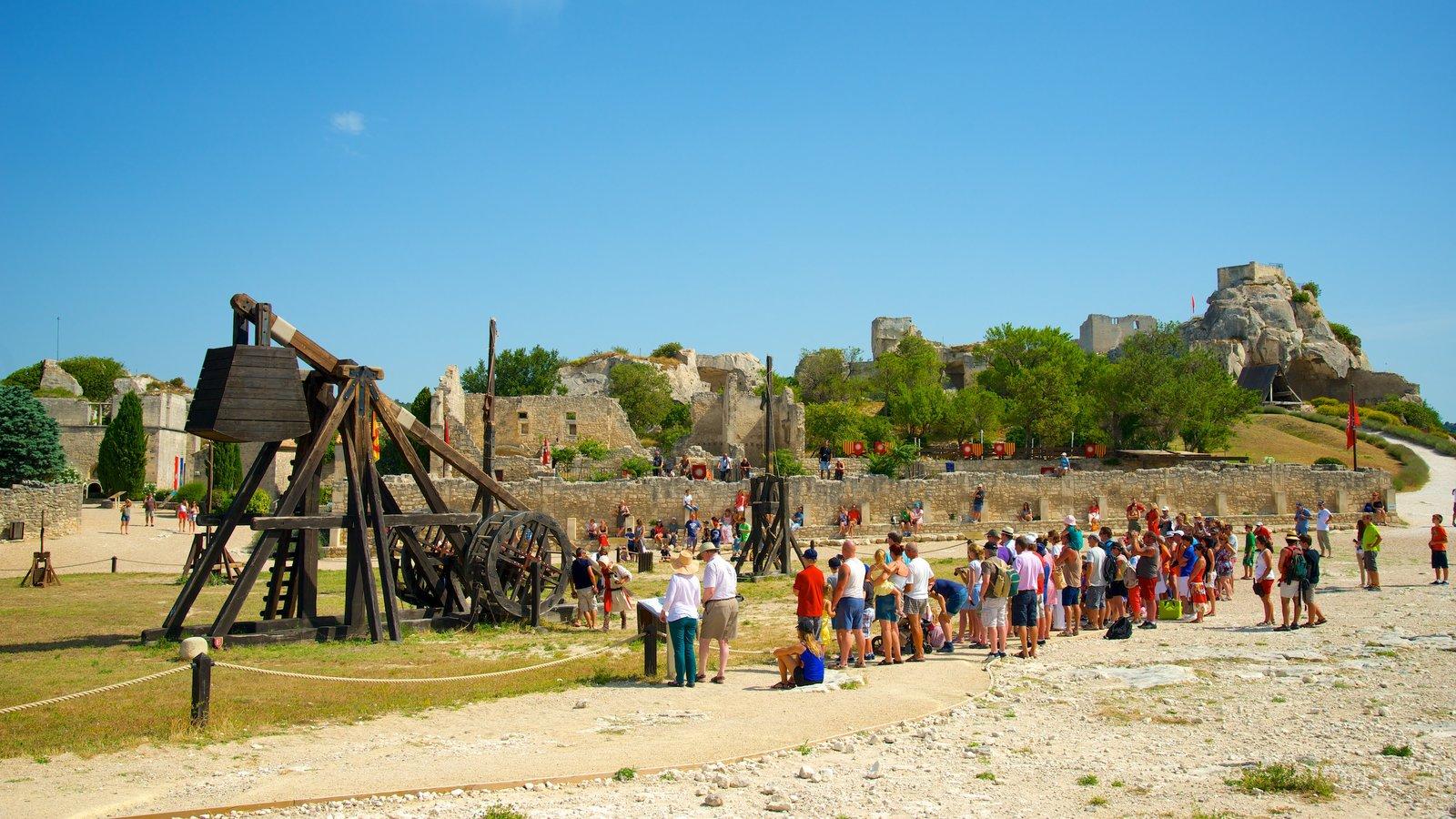 Chateau des Baux que inclui elementos de patrimônio, um castelo e arquitetura de patrimônio