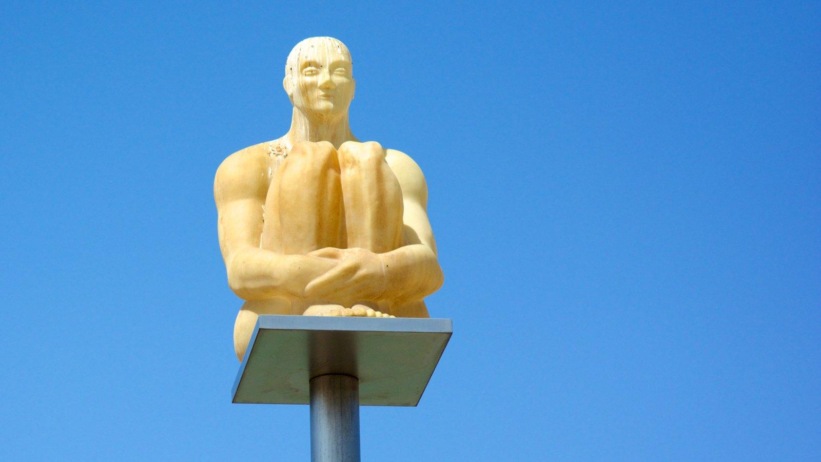 Place Massena que inclui arte ao ar livre e uma estátua ou escultura