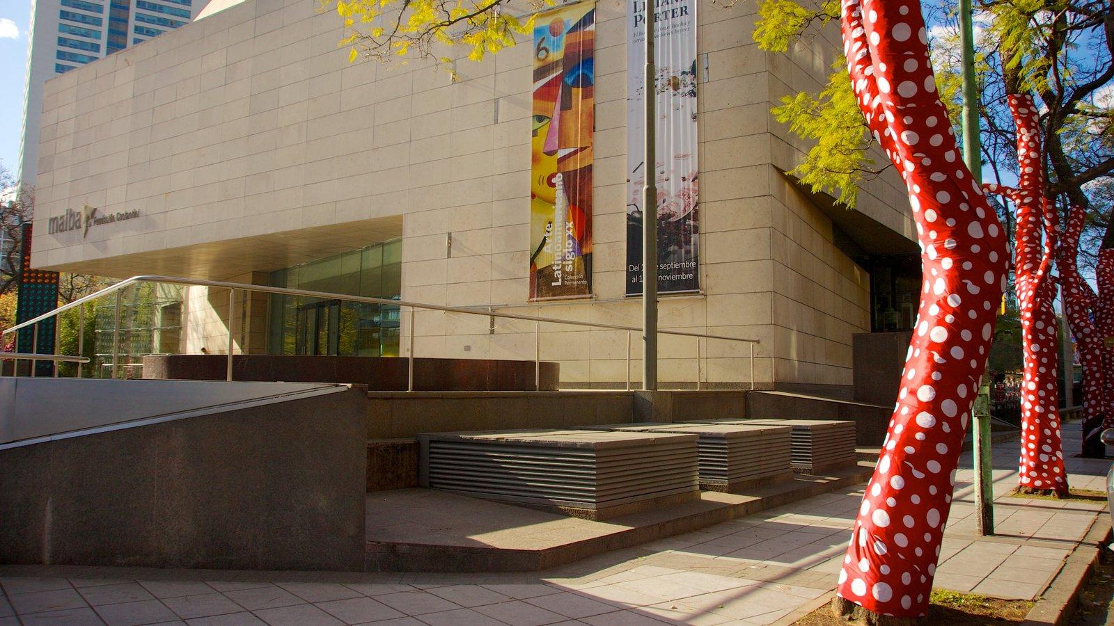 Museo de Arte Latinoamericano de Buenos Aires mostrando arquitetura moderna