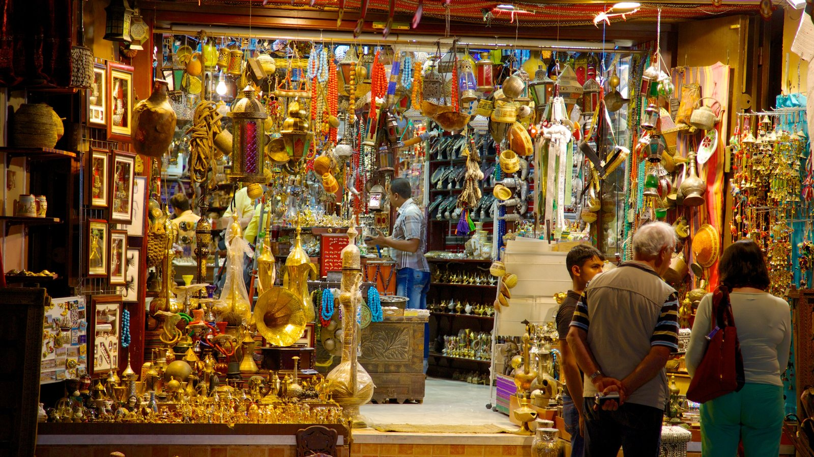 Muttrah Souq which includes shopping, city views and markets
