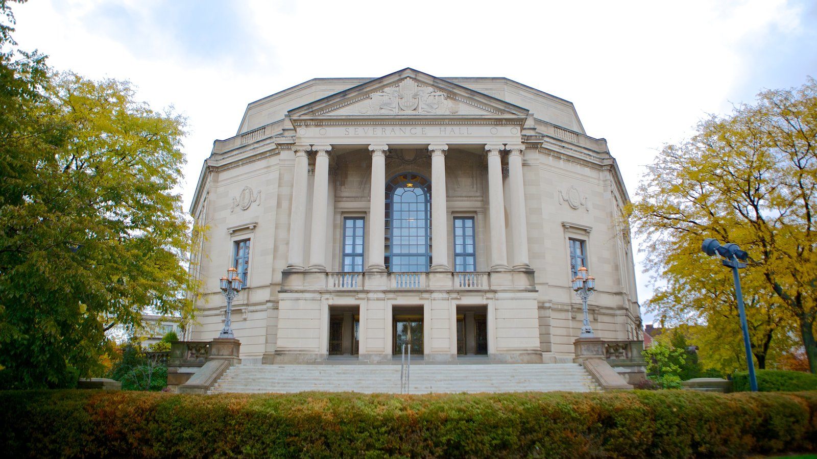 Severance Hall caracterizando um edifício administrativo e arquitetura de patrimônio