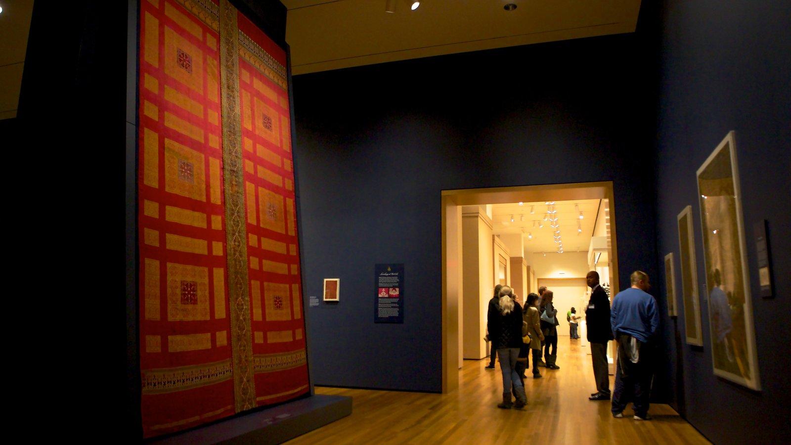 Cleveland Museum of Art que inclui vistas internas e arte