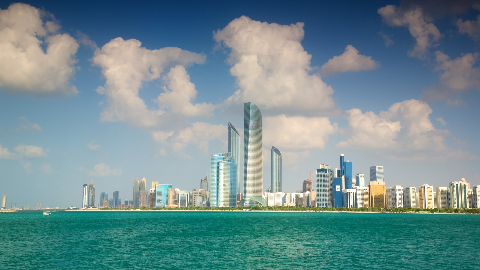 Emirato de Abu Dabi que incluye vistas generales de la costa, arquitectura moderna y horizonte