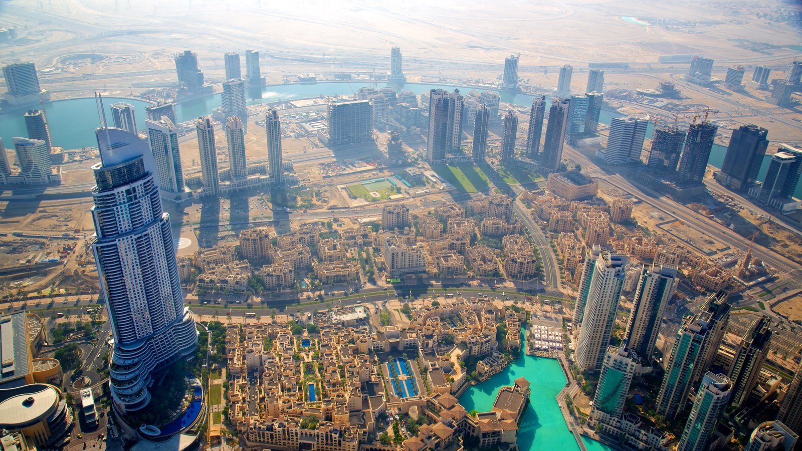 Burj Khalifa which includes city views, a high rise building and a city
