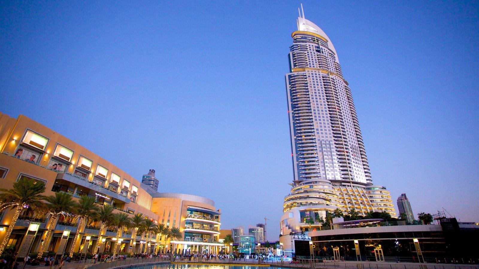 Burj Khalifa que incluye un edificio de gran altura, arquitectura moderna y dfc