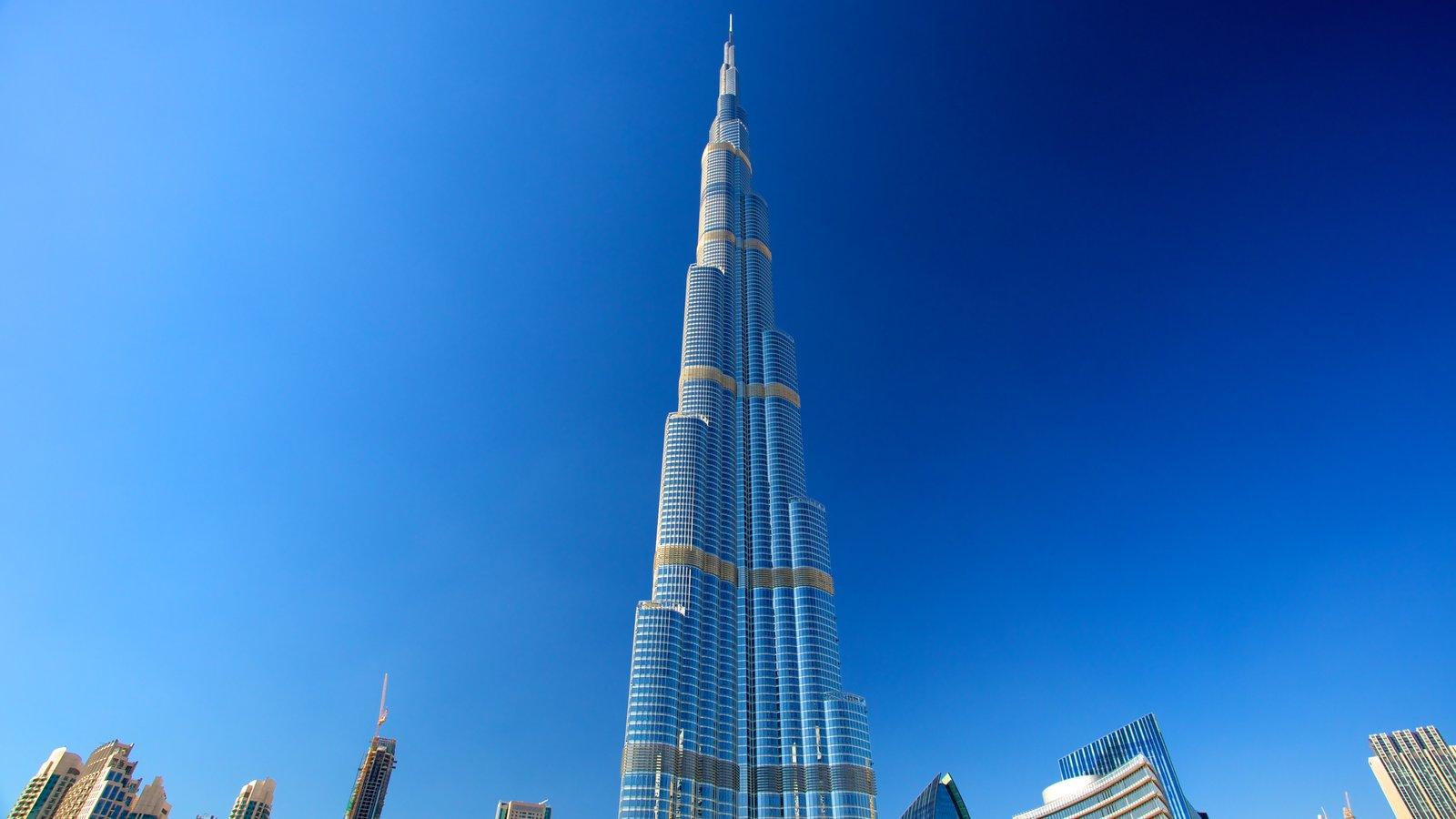 Burj Khalifa que incluye vistas a la ciudad, un edificio de gran altura y una ciudad