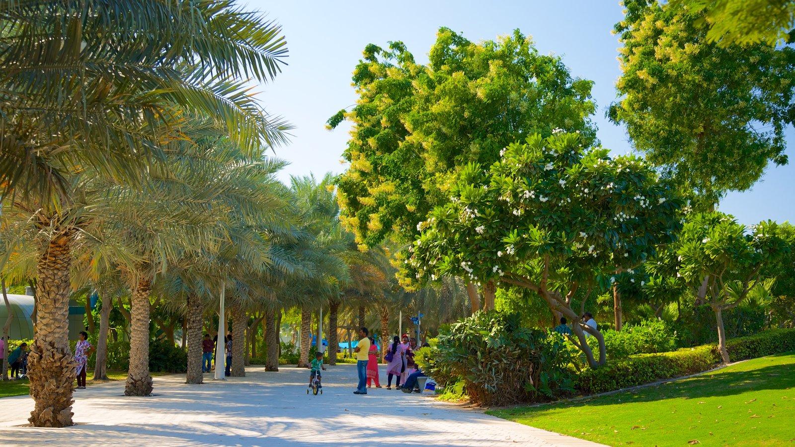 Zabeel Park showing a park